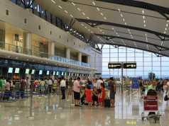 Tả cảnh nhà ga sân bay khi em để đón hoặc tiễn người thân
