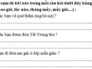 Tiết 1 – Tuần 35 trang 70 VBT Tiếng Việt lớp 2 tập 2: Ngắt đoạn sau thành 5 câu rồi viết lại cho đúng chính tả: Bố mẹ đi vắng. Ở nhà chỉ có Lan và em Huệ. Lan bày đồ chơi ra dỗ em. Em buồn ngủ. Lan đặt em nằm xuống giường rồi hát cho em ngủ