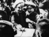Bài 24. Cuộc đấu tranh bảo vệ và xây dựng chính quyền dân chủ nhân dân (1945 – 1946) SBT Sử lớp 9: Đảng, Chính phủ và nhân dân ta đã làm gì trước âm mưu và hành động xâm lược của thực dân Pháp