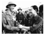 Bài 14. Công dân với sự nghiệp xây dựng và bảo vệ Tổ quốc – GDCD lớp 10:Thế nào là lòng yêu nước? Em nghĩ gì về truyền thống yêu nước của dân tộc ta?